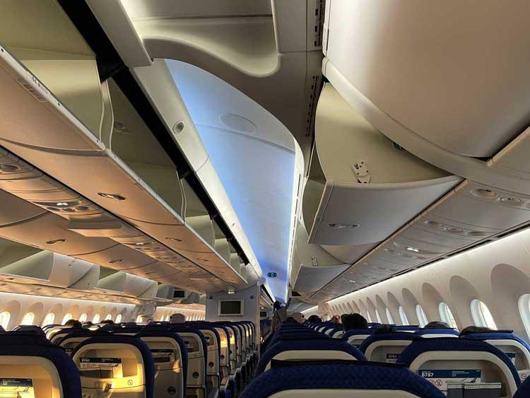 ANAの飛行機内